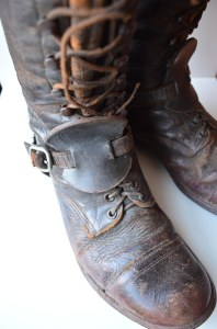 [Riding boots with spurs, c1915-1919] Collections CCGW/CCGG.