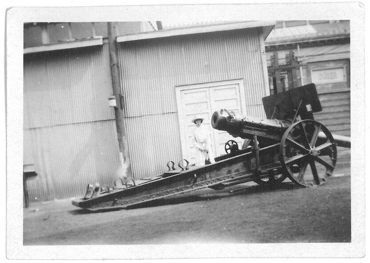 """A captured German Machine Gun at the exhibition grounds at Toronto"" [ Captured German artillery, c1919]. CCGW/CCGG 2016.1.111 Gift of E.McCann."