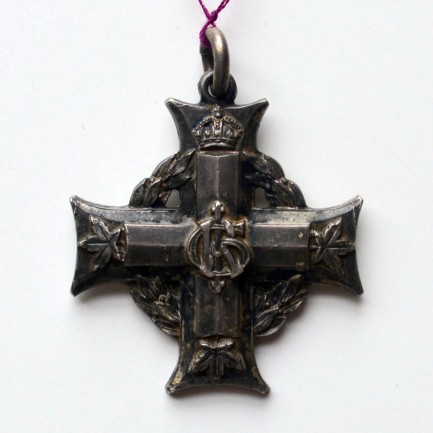 Memorial Cross to the family of R. Elliott 464136.
